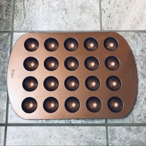 WILTON • Bronze Donut Hole Pan • 20 cavity • NEW